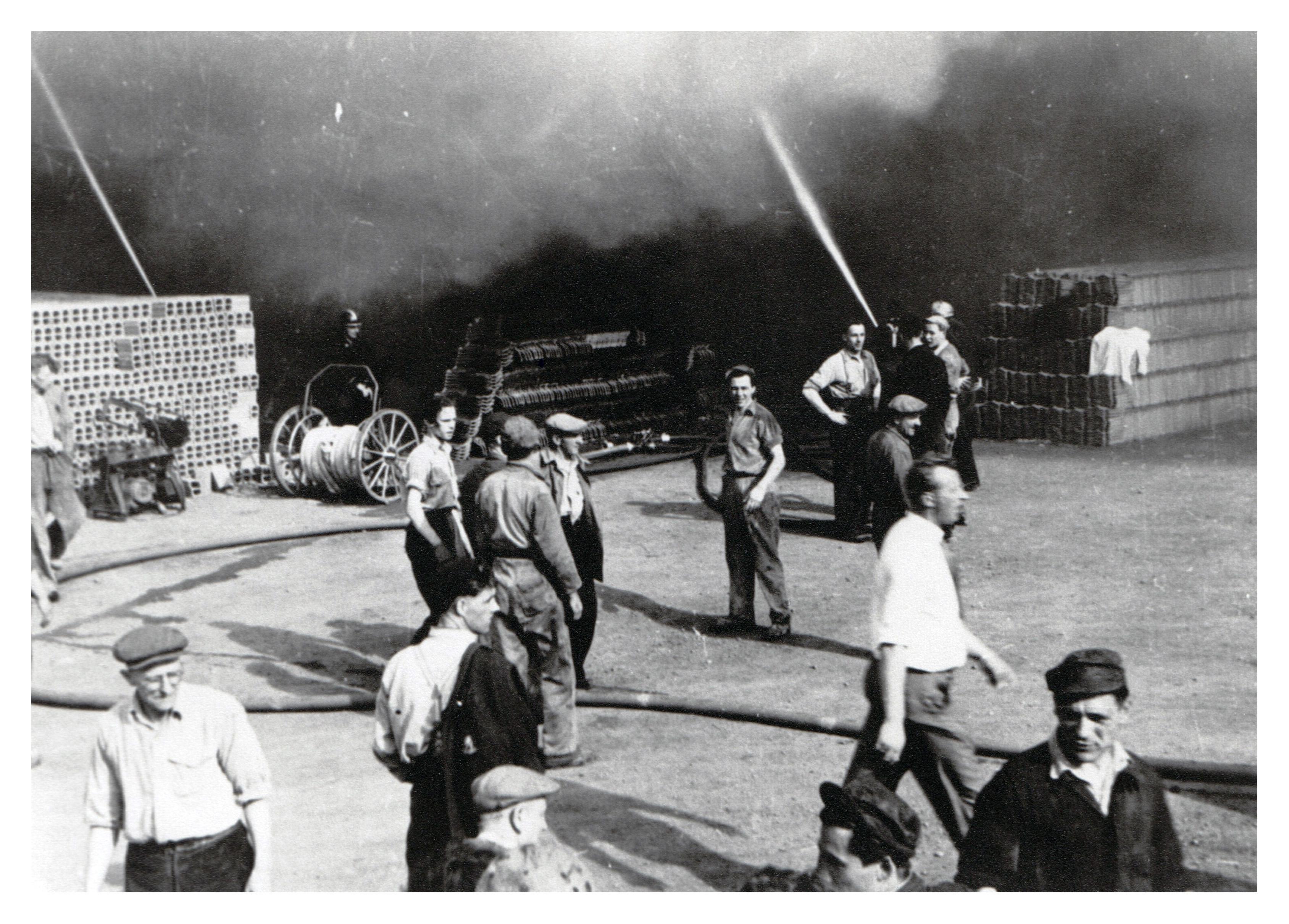 13 Brand Wodast 10 mei 1954