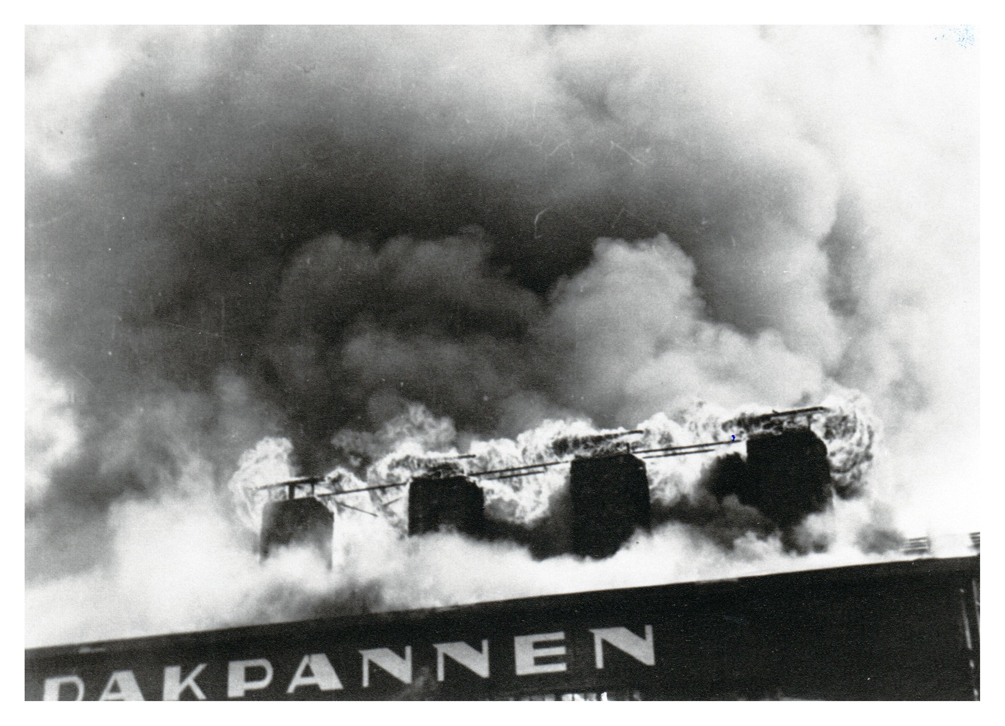 16 Brand Wodast 10 mei 1954