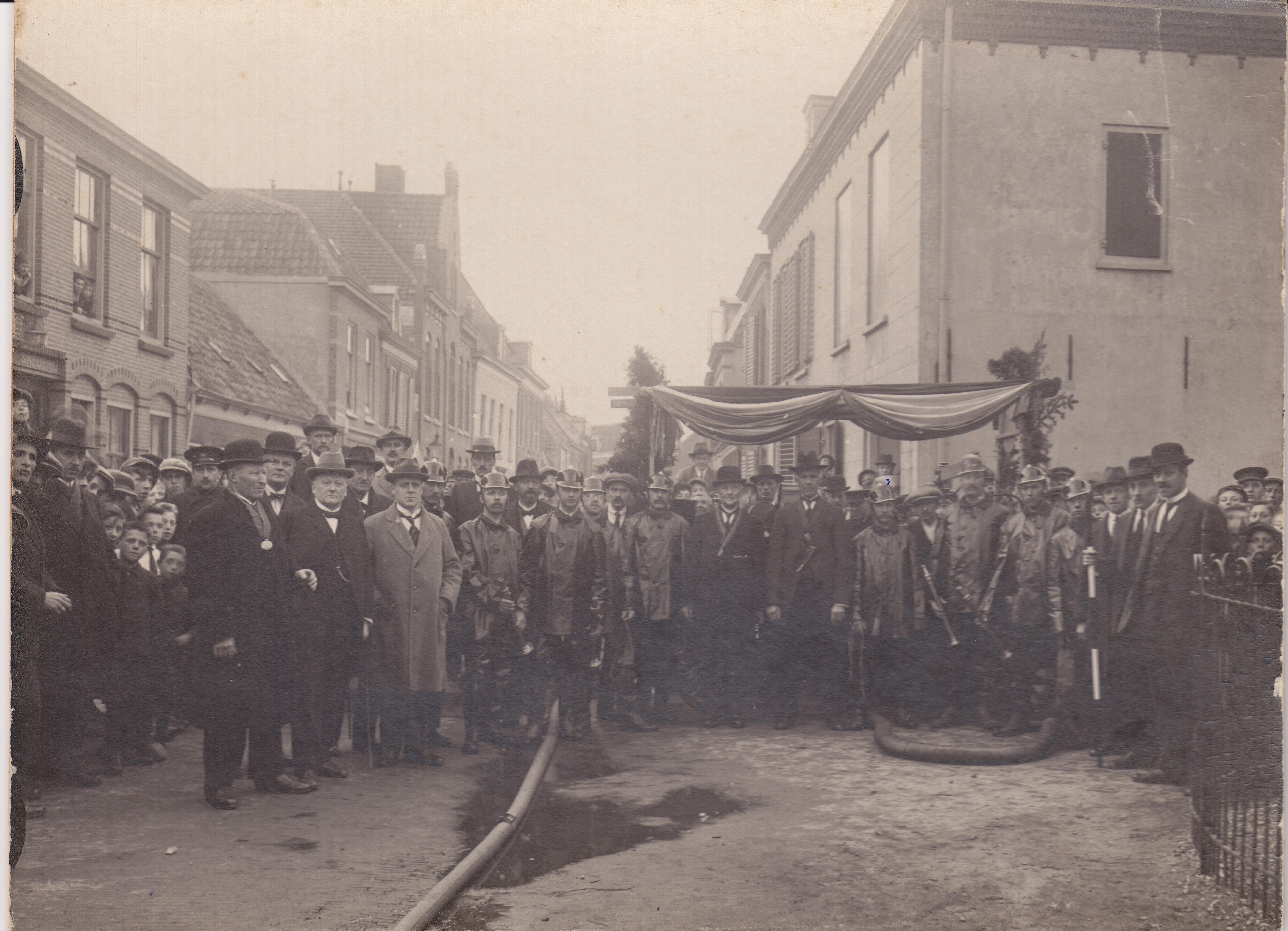 2 Foto 1 maandag 1 mei 1922 50 jarig jubileum Brandmeester J.A. Slager