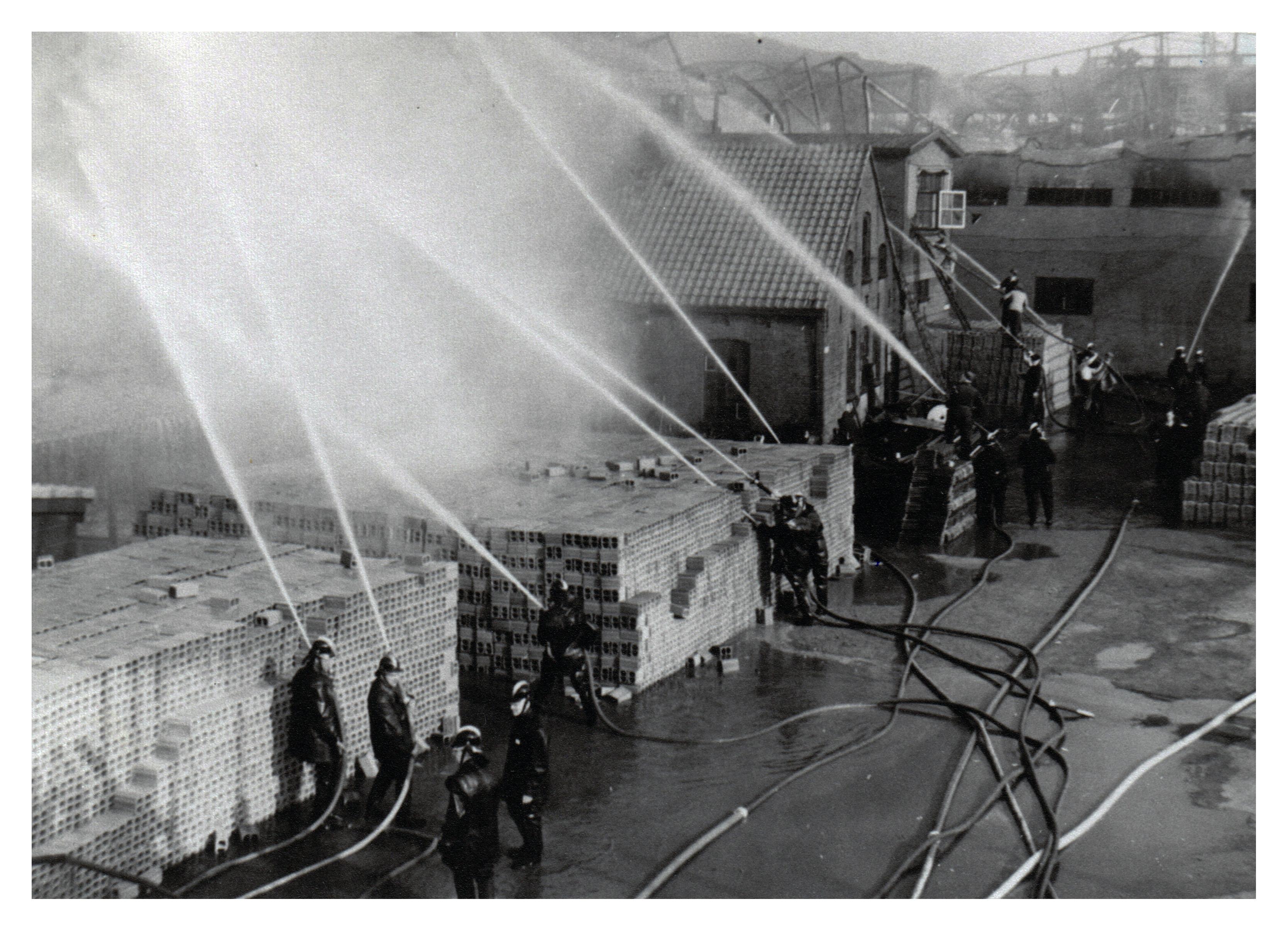 20 Brand Wodast 10 mei 1954