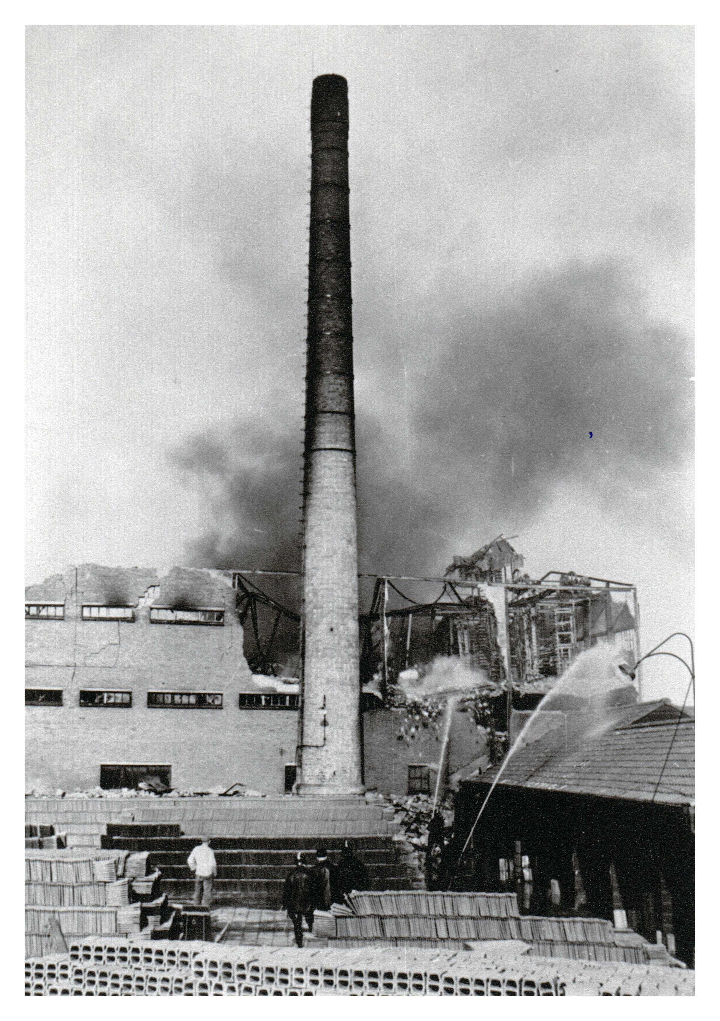 22 Brand Wodast 10 mei 1954